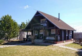 Дом для проживания с баней, барбекю, гаражом.