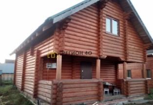 Новый бревенчатый дом в живописном месте