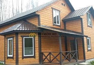 Красивый деревянный коттедж в Дроздово, выход в лес.