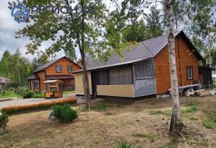 Одноэтажный дом с ландшафтным дизайном