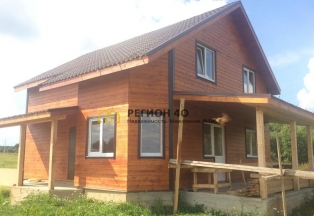 Продается просторный дом площадью 130 кв. м. в 110 км от МКАД по Киевскому шоссе. Со всеми коммуникациями, без комиссий.