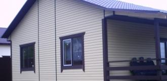 Одноэтажный зимний брусовой дом на участке 12 соток ИЖС.