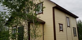 451, Выгодное предложение: круглогодичный дом с газом в деревне.