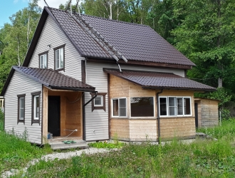 835, Дом для проживания с выходом в лес