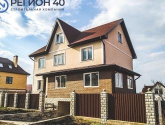 907, Добротный дом в Малоярославце каменный для большой семьи